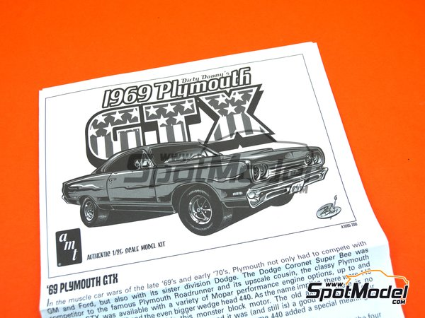 Image 5: Plymouth GTX -  1969   Model car kit in 1/25 scale manufactured by AMT (ref.1065, also AMT1065 and AMTS1065)