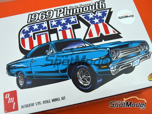 Image 18: Plymouth GTX -  1969   Model car kit in 1/25 scale manufactured by AMT (ref.1065, also AMT1065 and AMTS1065)