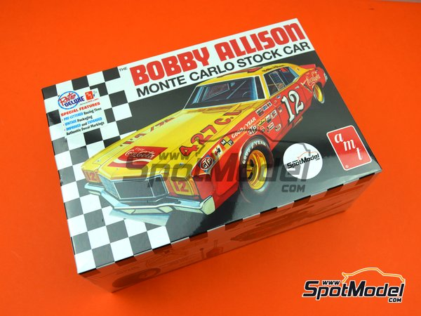 Image 12: Chevrolet Monte Carlo Coca Cola - Nascar - National Association for Stock Car Auto Racing 1972 | Model car kit in 1/25 scale manufactured by AMT (ref. AMT1064)