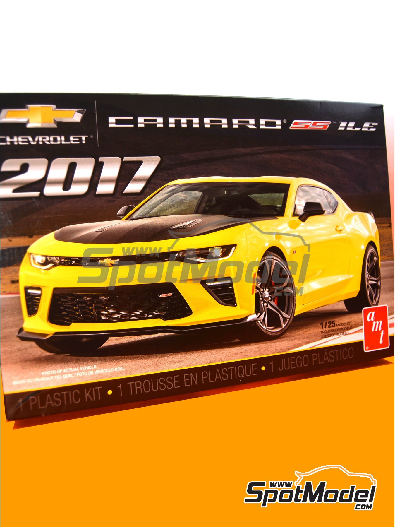 Chevrolet Camaro SS LE1 -  2017 | Model car kit in 1/25 scale manufactured by AMT (ref.AMT1074) image