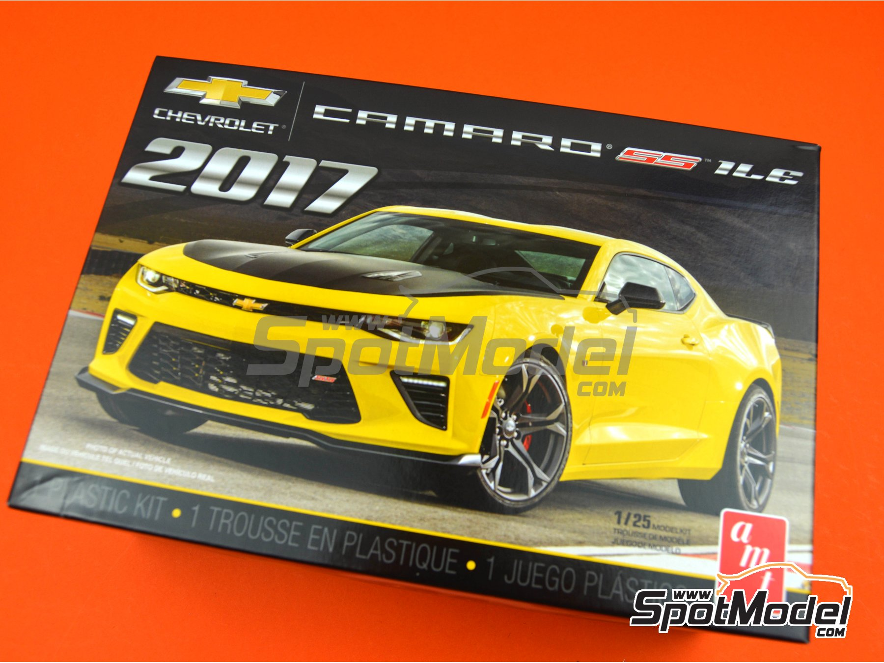 Image 17: Chevrolet Camaro SS LE1 -  2017 | Model car kit in 1/25 scale manufactured by AMT (ref.AMT1074)