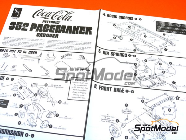 Image 11: Peterbilt 352 Pacemaker Cabover Coca Cola | Model truck kit in 1/25 scale manufactured by AMT (ref. AMT1090)