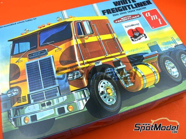 Image 16: White Freightliner Dual Drive Tractor | Model truck kit in 1/25 scale manufactured by AMT (ref. AMT620)