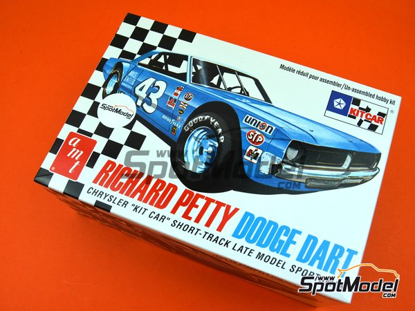 Image 13: Dodge Dart Hayes Jewellers - Nascar - National Association for Stock Car Auto Racing | Model car kit in 1/25 scale manufactured by AMT (ref. AMT819)