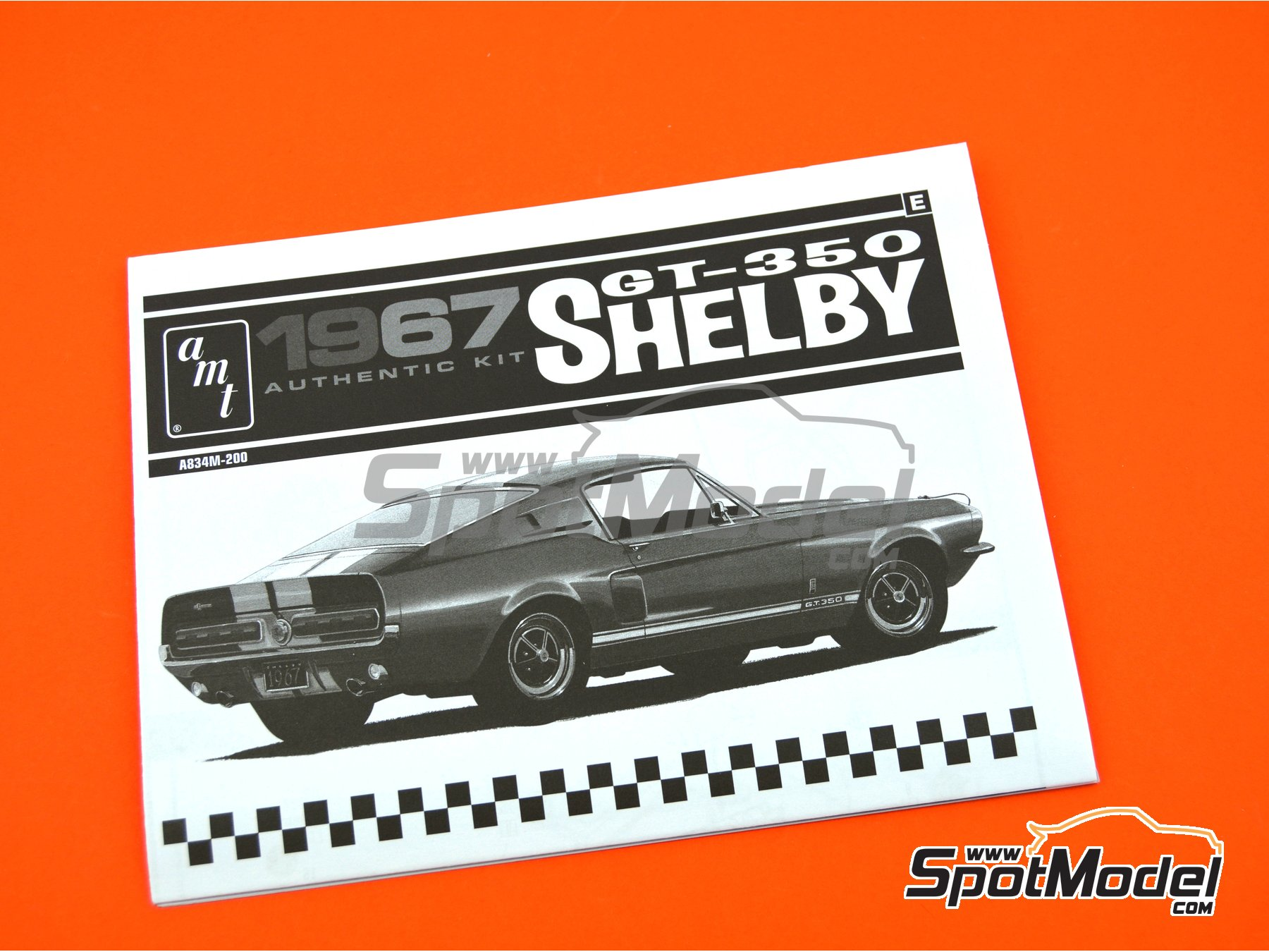 Image 9: Ford Shelby GT-350 -  1967 | Model car kit in 1/25 scale manufactured by AMT (ref. AMT834)
