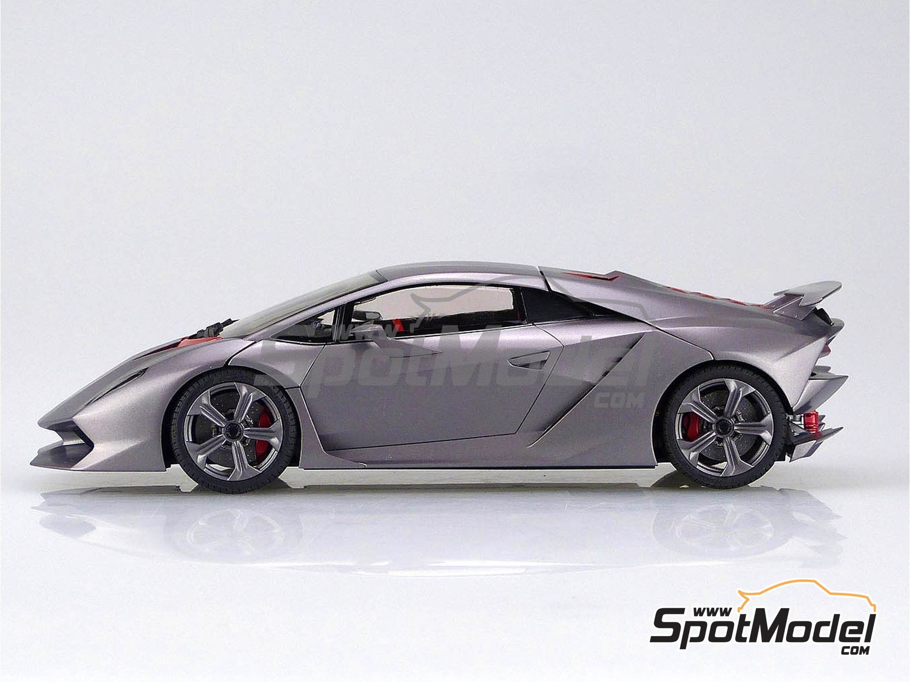 Image 2: Lamborghini Sesto Elemento | Model car kit in 1/24 scale manufactured by Aoshima (ref.01073, also 010730 and 1073)
