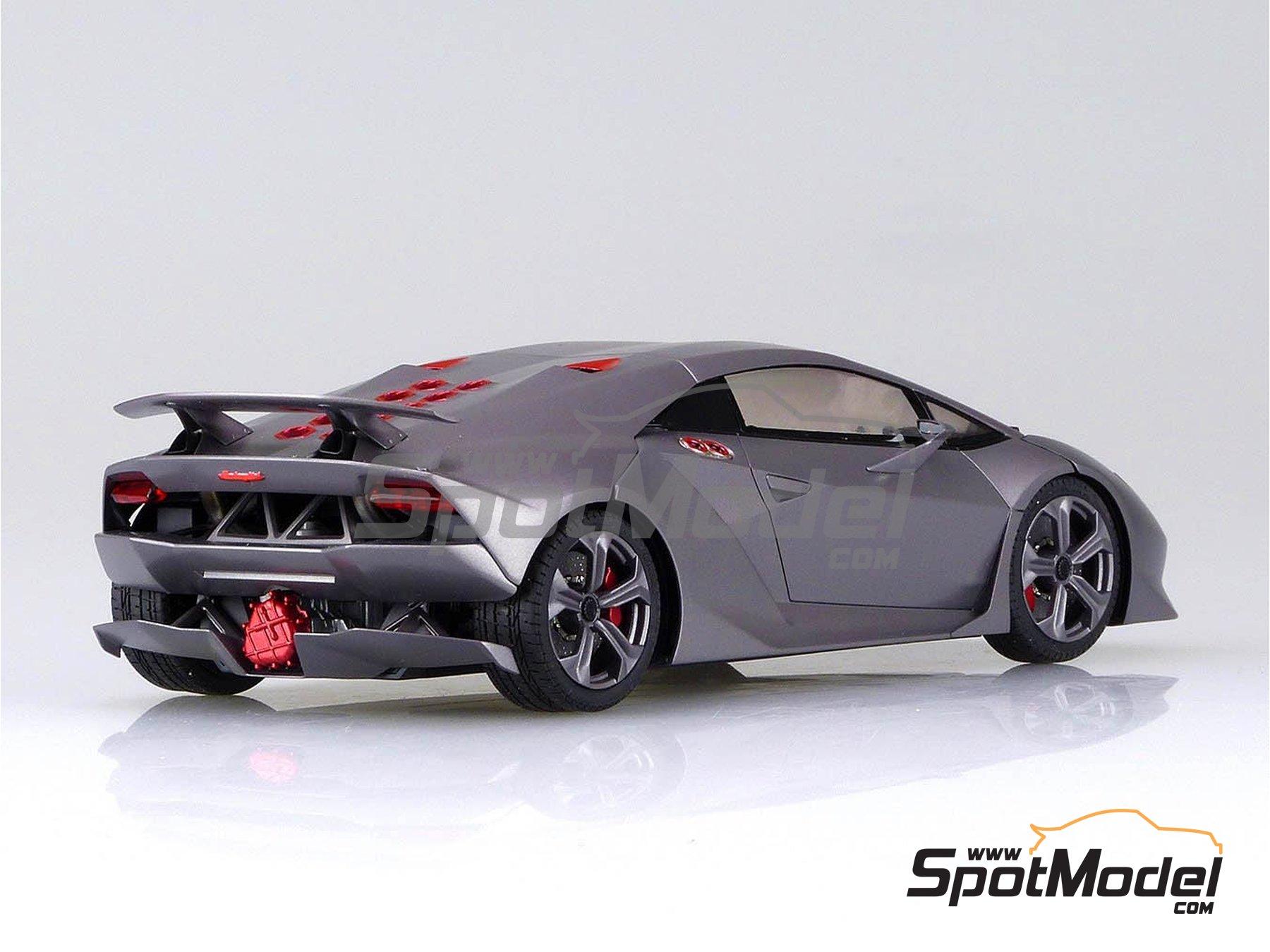 Image 3: Lamborghini Sesto Elemento | Model car kit in 1/24 scale manufactured by Aoshima (ref.01073, also 010730 and 1073)