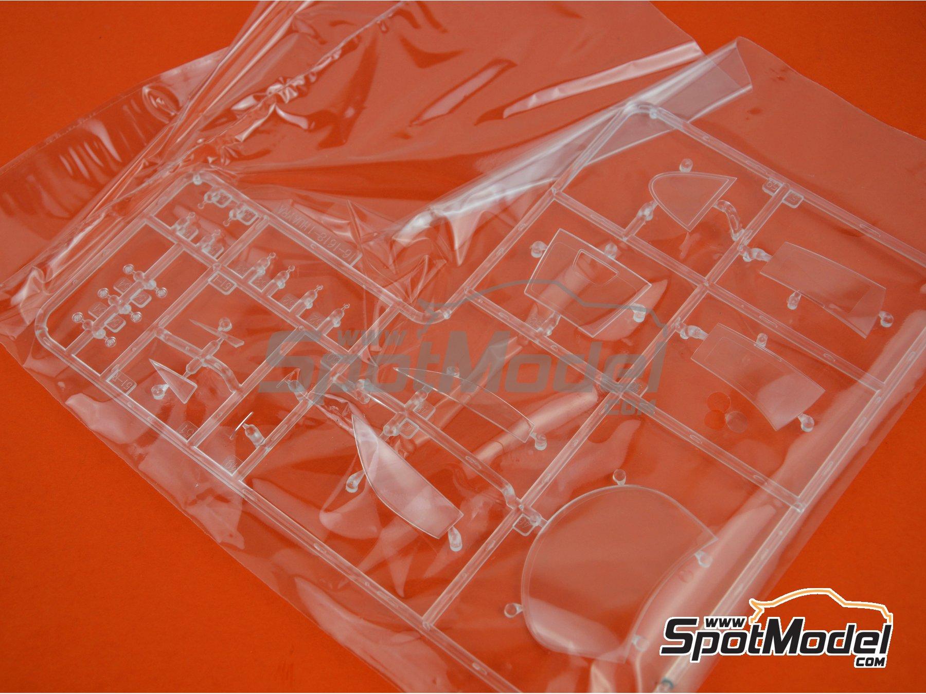 Image 8: Pagani Huayra | Maqueta de coche en escala1/24 fabricado por Aoshima (ref.01091)
