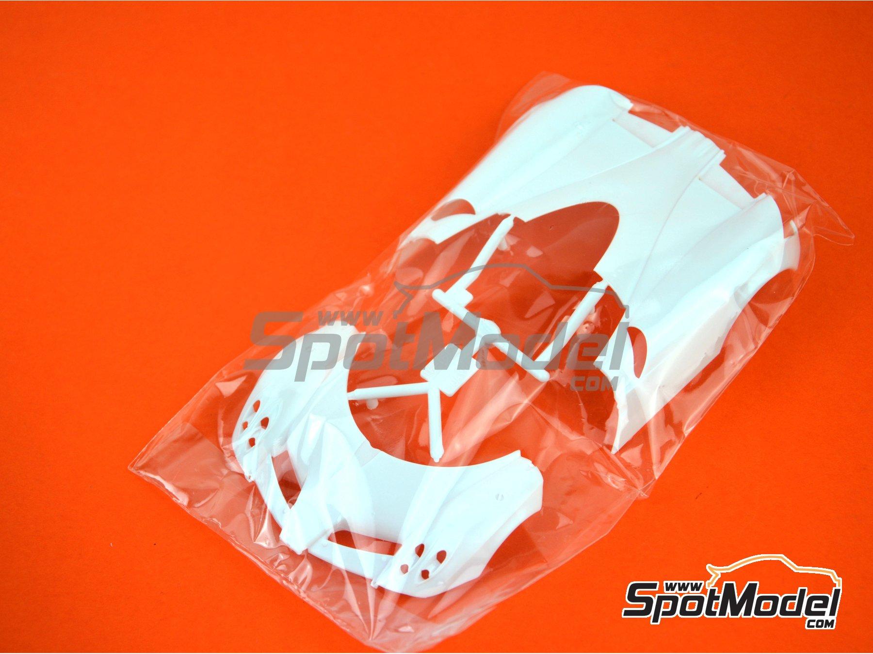 Image 14: Pagani Huayra | Maqueta de coche en escala1/24 fabricado por Aoshima (ref.01091)
