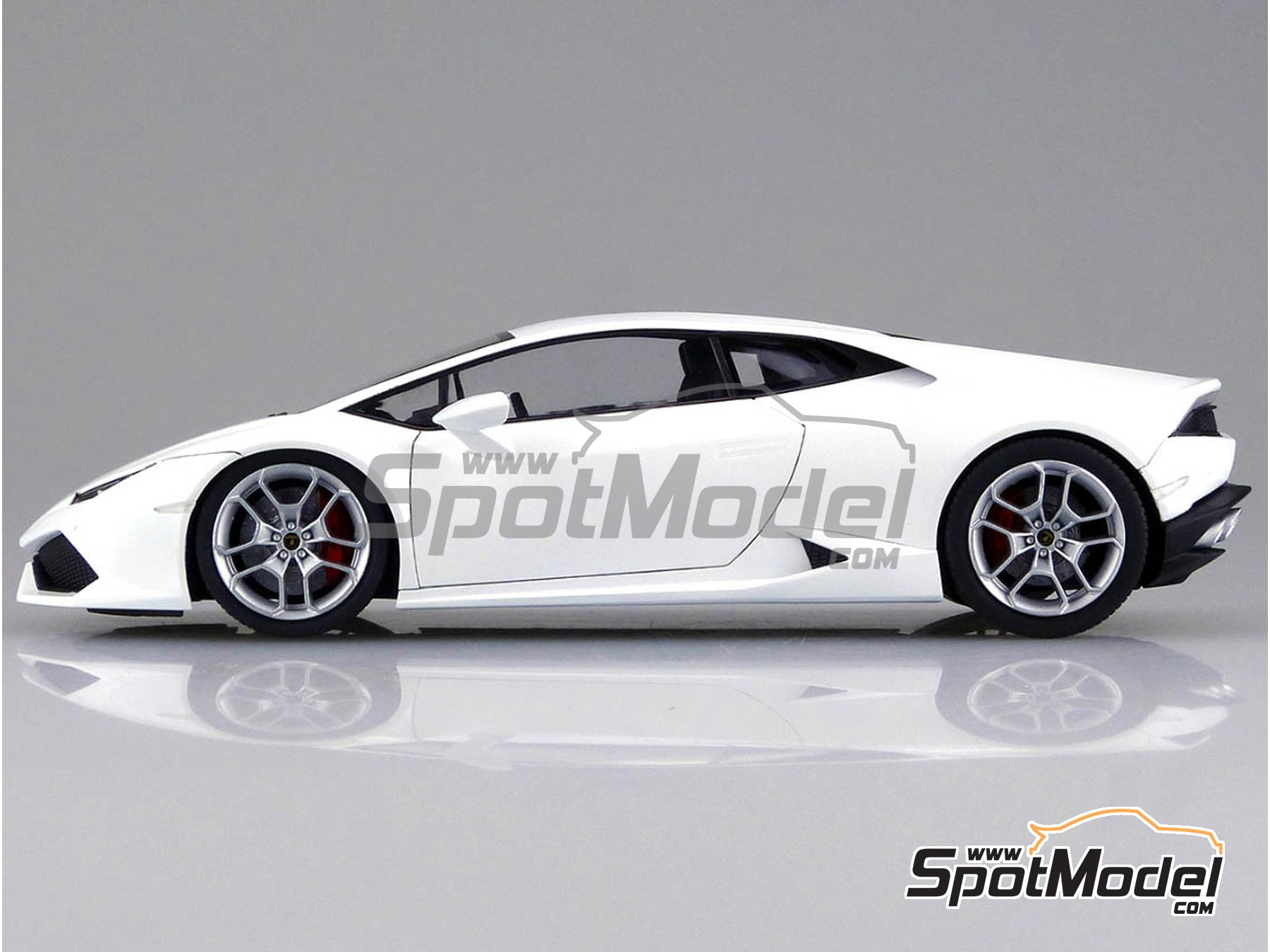 Image 6: Lamborghini Huracan LP610-4 | Model car kit in 1/24 scale manufactured by Aoshima (ref. 01382)