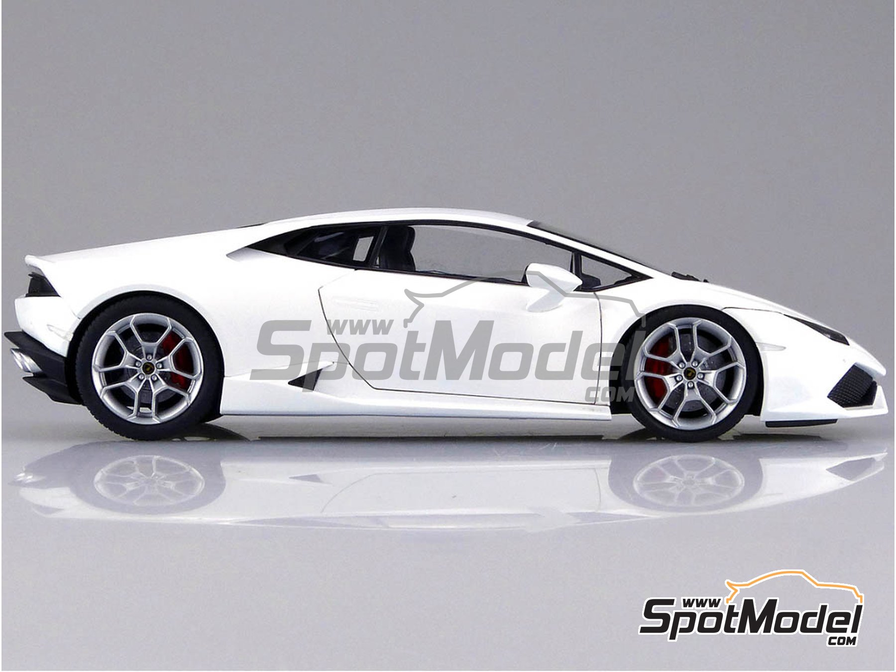 Image 7: Lamborghini Huracan LP610-4 | Model car kit in 1/24 scale manufactured by Aoshima (ref. 01382)