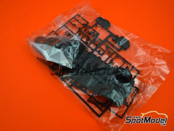 Image 7: Advan Skyline RS Turbo Racing Spirit's - Campeonato Japones de Turismos (JTCC)   Maqueta de coche en escala1/24 fabricado por Aoshima (ref.042823, tambien 04282 y abk142823)