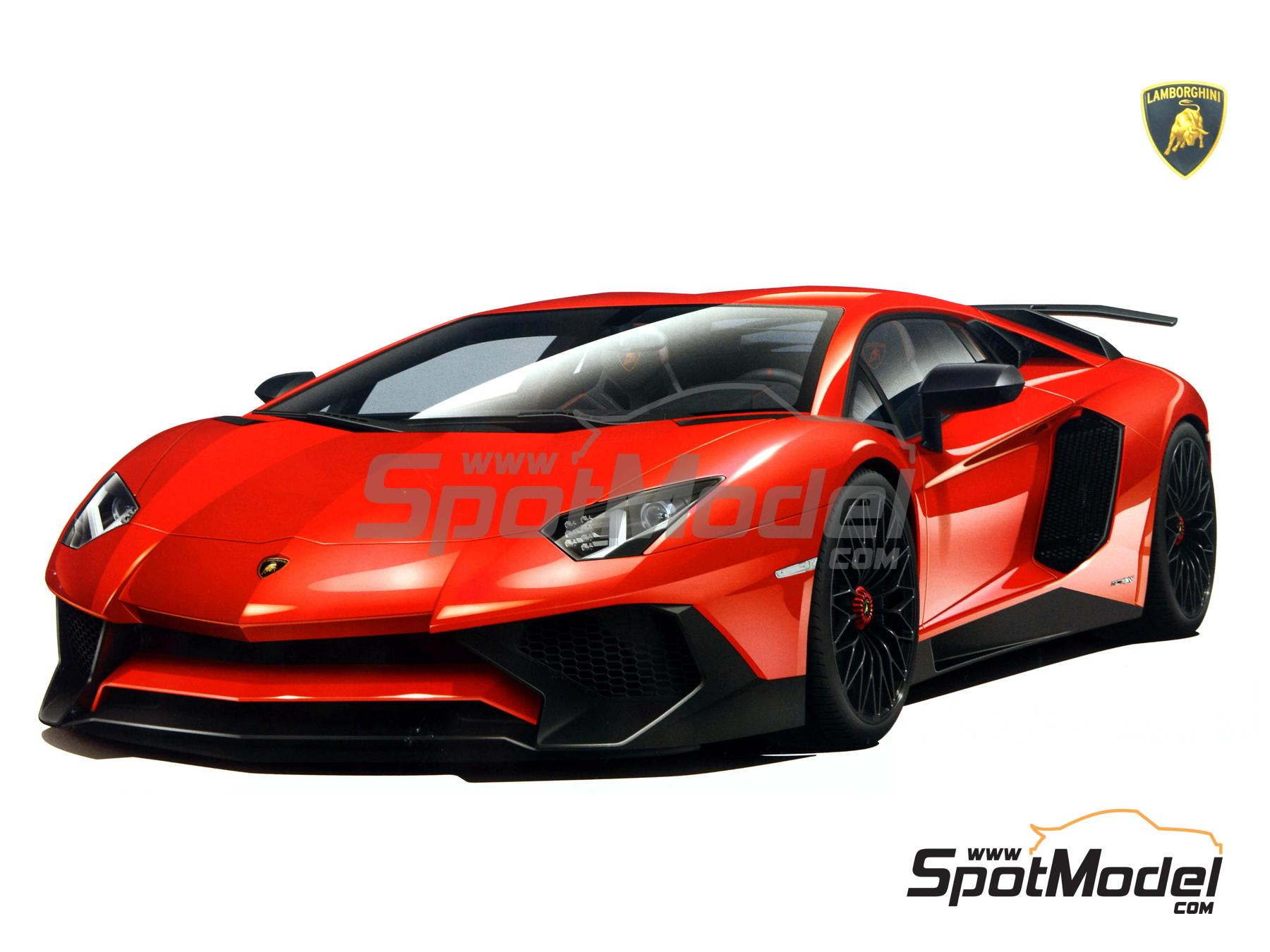 Image 1: Lamborghini Aventador LP750-4 SV | Model car kit in 1/24 scale manufactured by Aoshima (ref.05121)
