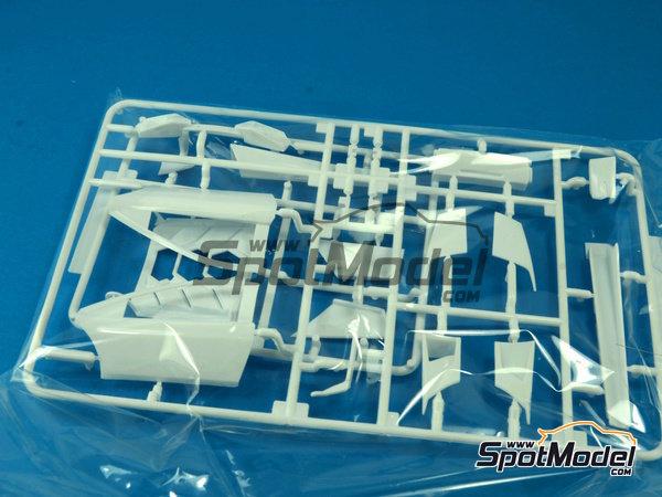 Image 15: Lamborghini Murcielago LP670-4 SV SuperVeloce | Maqueta de coche en escala1/24 fabricado por Aoshima (ref.AOSH-007082)