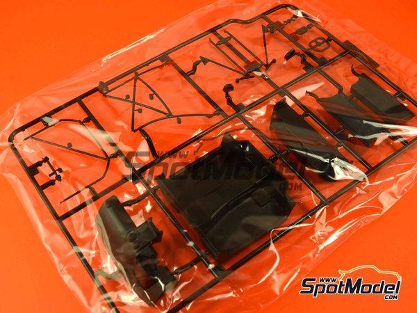 Image 16: Lamborghini Murcielago R-SV All Inkl - Zolder DRM 2011 | Maqueta de coche en escala1/24 fabricado por Aoshima (ref.AOSH-00718)