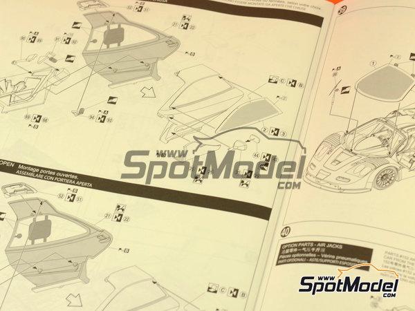 Image 13: McLaren F1 GTR Long Tail Lark - 24 Horas de Le Mans 1997 | Maqueta de coche en escala1/24 fabricado por Aoshima (ref.AOSH-007518)