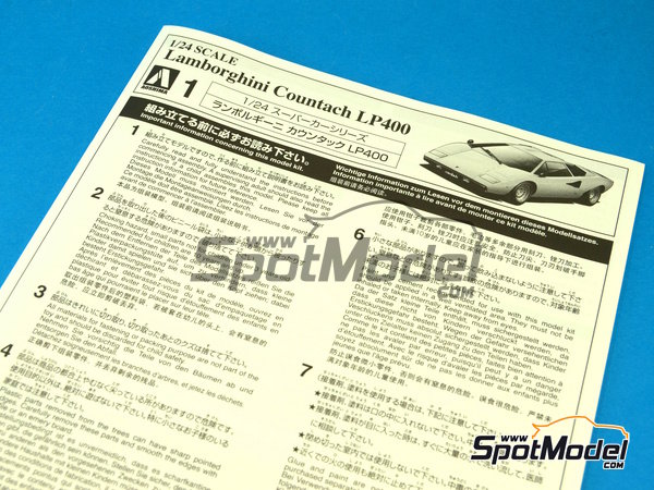 Image 1: Lamborghini Countach LP400 | Model car kit in 1/24 scale manufactured by Aoshima (ref.AOSH-04670)