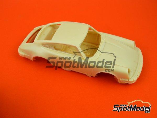 Image 4: Porsche 911SC Martini Racing - Rally Safari 1978 | Maqueta de coche en escala1/24 fabricado por Arena (ref.ARE861-24)