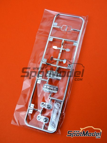 BMW M3 E30: Sprue E | Spare part in 1/24 scale manufactured by Beemax Model Kits (ref. B24007-SPRUE-E) image