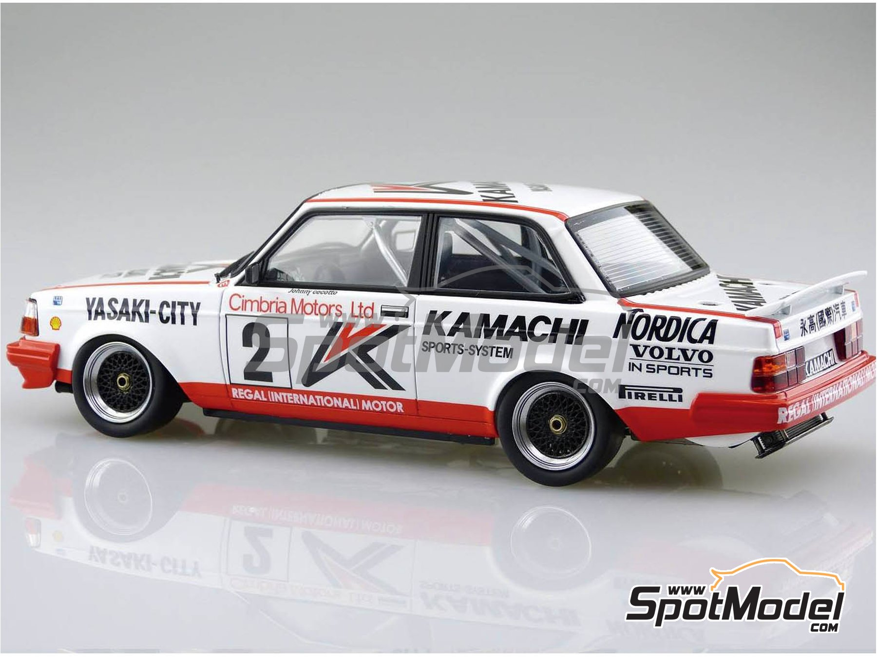 Image 3: Volvo 240 Turbo Group A Kamachi - Volvo Dealer Team Europe - Inter TEC championship Fuji Speedway, Guia Race of Macau 1985 and 1986 | Model car kit in 1/24 scale manufactured by Beemax Model Kits (ref. B24012)