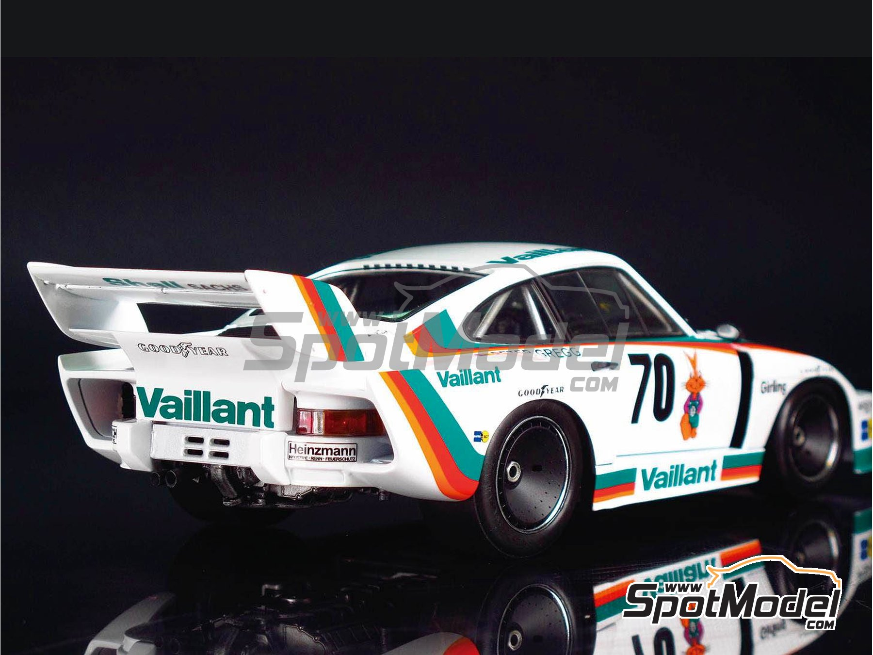 Image 7: Porsche 935 K2 Kremer Vaillant - Deutsche Rennsport Meisterschaft DRM 1977 | Model car kit in 1/24 scale manufactured by Beemax Model Kits (ref. B24015, also 105108, aos10510 and 4905083105108)