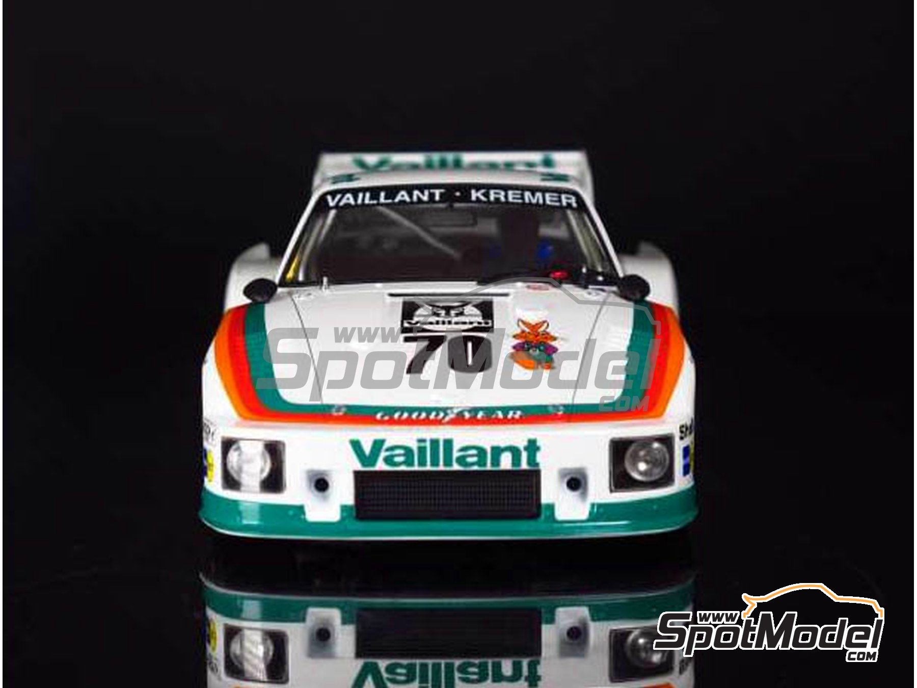 Image 10: Porsche 935 K2 Kremer Vaillant - Deutsche Rennsport Meisterschaft DRM 1977 | Model car kit in 1/24 scale manufactured by Beemax Model Kits (ref. B24015, also 105108, aos10510 and 4905083105108)