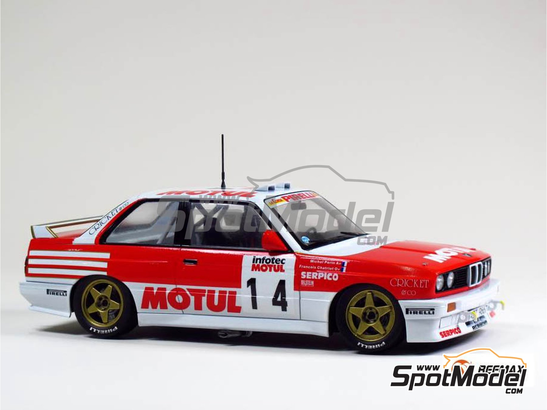 Image 3: BMW M3 E30 Rally Group A Bastos Motul - Tour de Corse 1988 | Model car kit in 1/24 scale manufactured by Beemax Model Kits (ref. B24016)