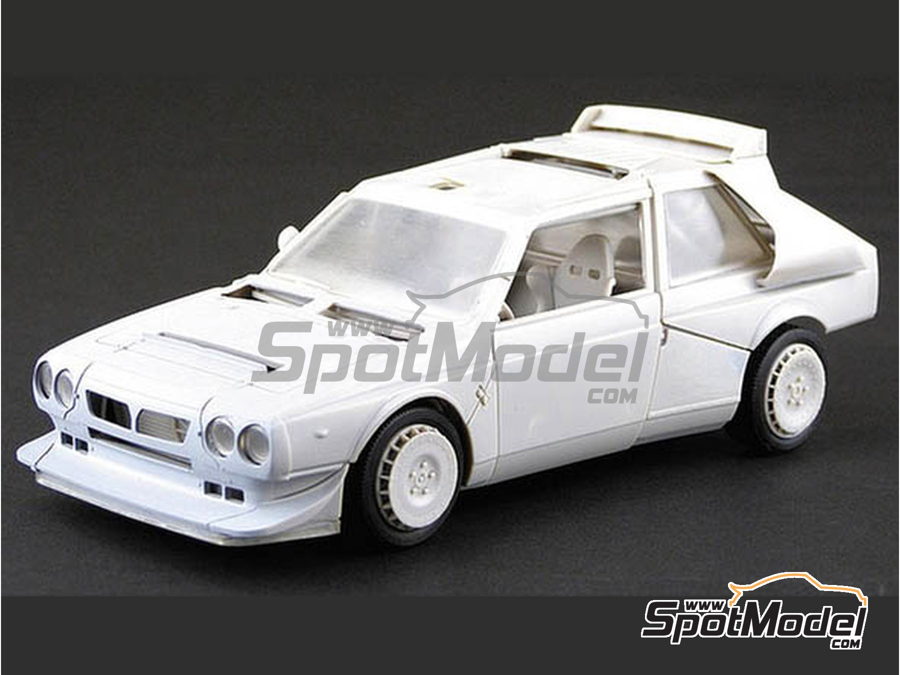 Image 5: Lancia Delta S4 Martini Racing Team - Montecarlo Rally - Rallye Automobile de Monte-Carlo 1986 | Model car kit in 1/24 scale manufactured by Beemax Model Kits (ref. B24020, also 09885)