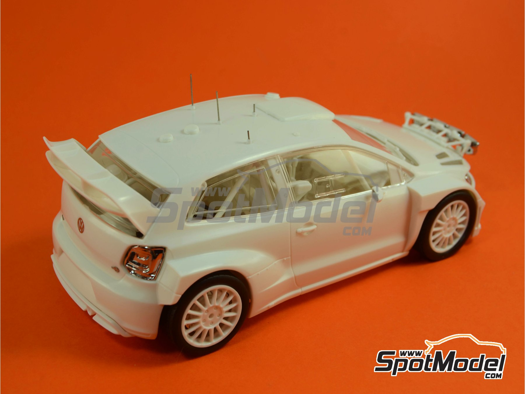 Image 2: Volkswagen Polo R WRC - Alsace France Rally 2013 | Model car kit in 1/24 scale manufactured by Belkits (ref.BEL-005)