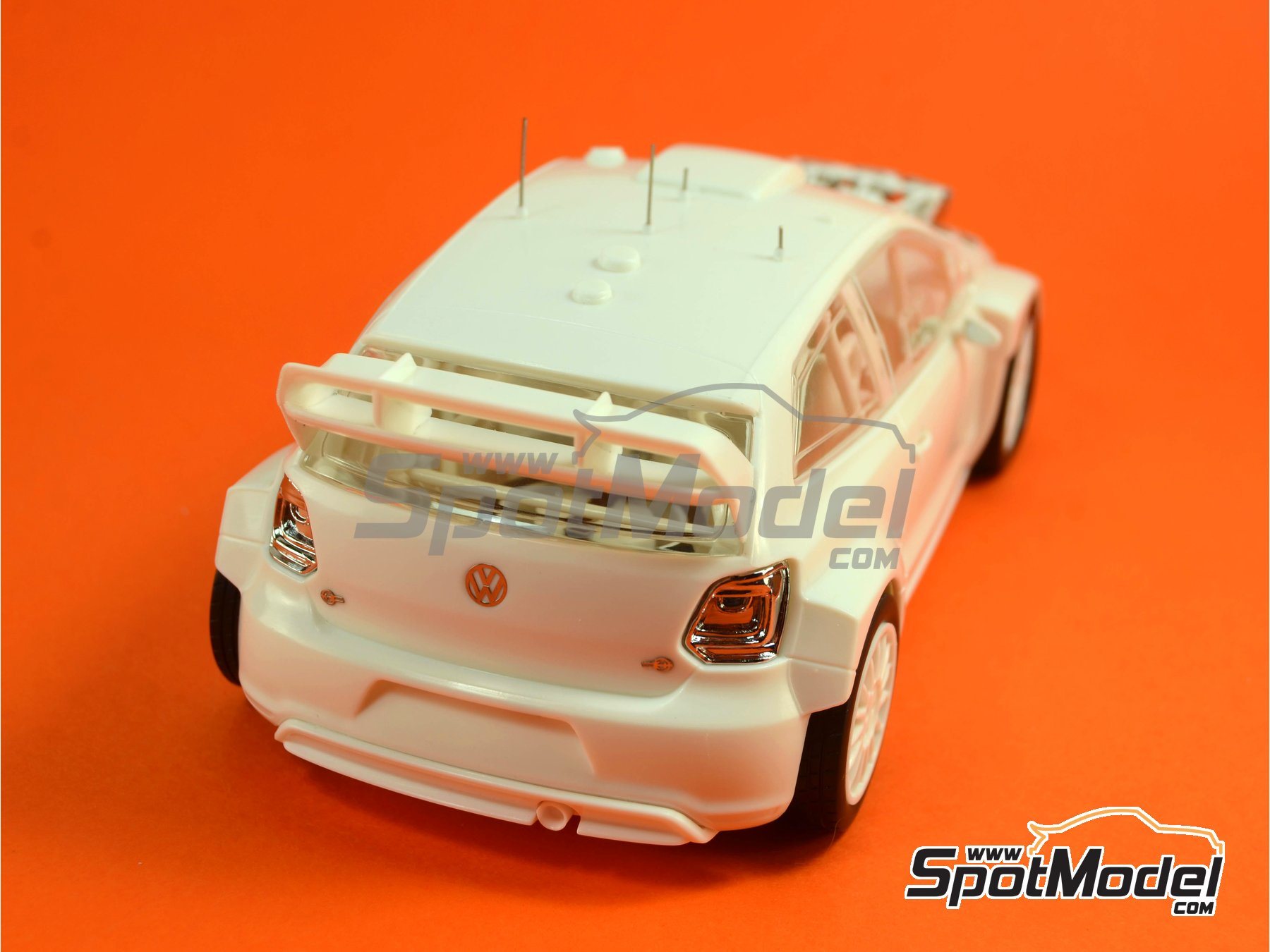 Image 5: Volkswagen Polo R WRC - Alsace France Rally 2013 | Model car kit in 1/24 scale manufactured by Belkits (ref.BEL-005)