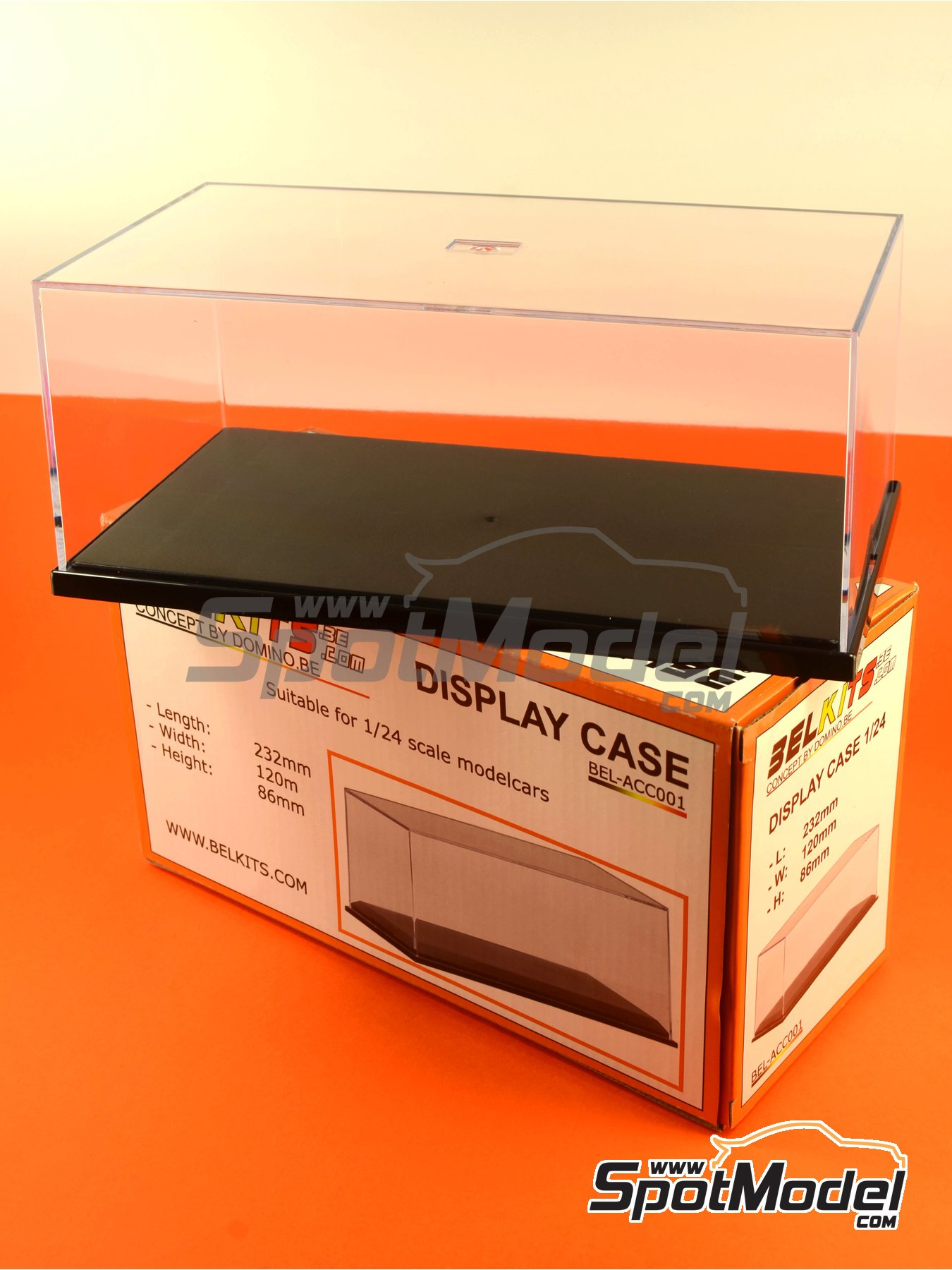 Display case for 1/24 scale model cars | Display case in 1/24 scale manufactured by Belkits (ref.BEL-ACC001) image