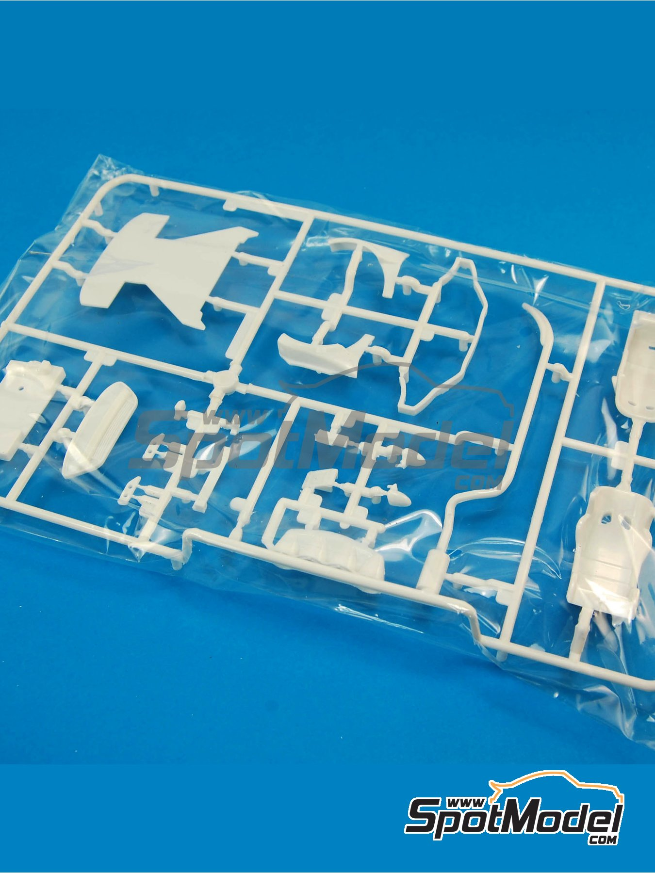 Ford Fiesta RS WRC: Sprue G | Spare part in 1/24 scale manufactured by Belkits (ref.BEL003-SPRUE-G) image