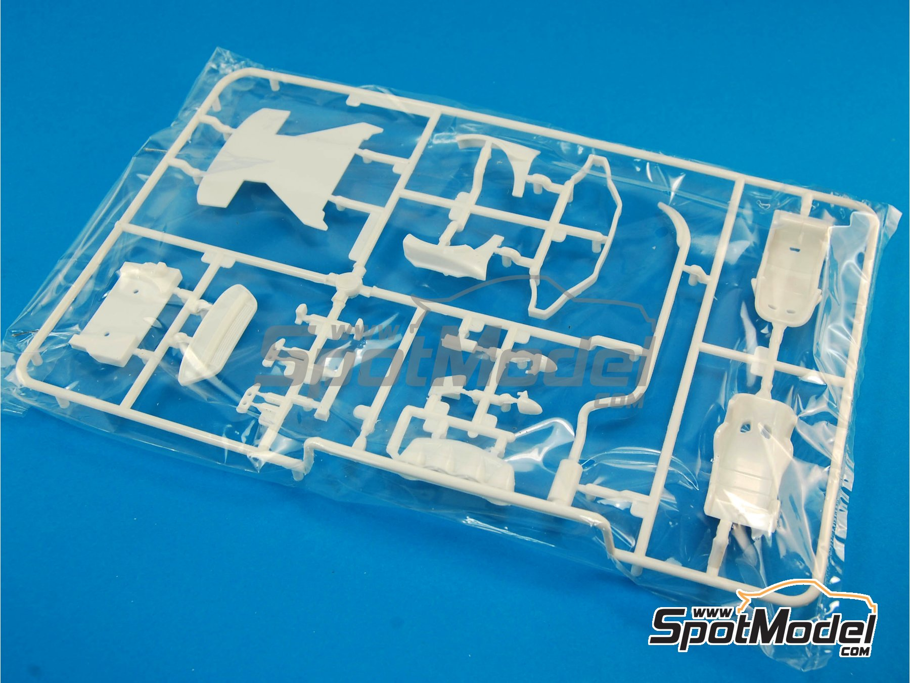 Image 1: Ford Fiesta RS WRC: Sprue G | Spare part in 1/24 scale manufactured by Belkits (ref.BEL003-SPRUE-G)