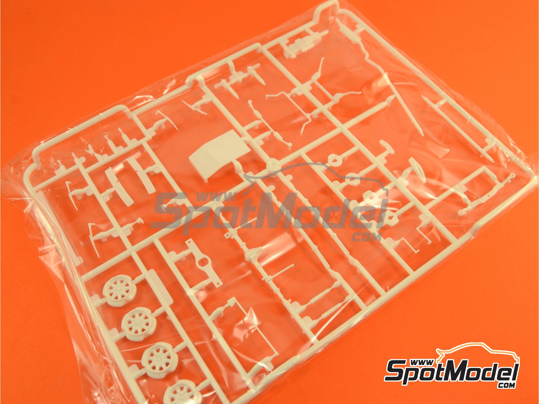 Image 1: Ford Escort RS1600 Mk I: Sprue F | Spare part in 1/24 scale manufactured by Belkits (ref. BEL006-SPRUE-F)
