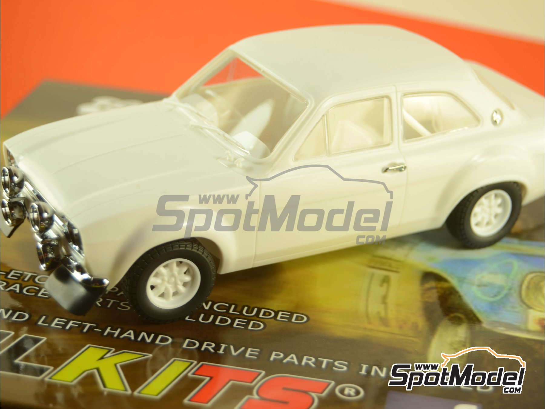 Image 32: Ford Escort RS1600 Mk I - RAC Rally 1973 | Model car kit in 1/24 scale manufactured by Belkits (ref. BEL006)