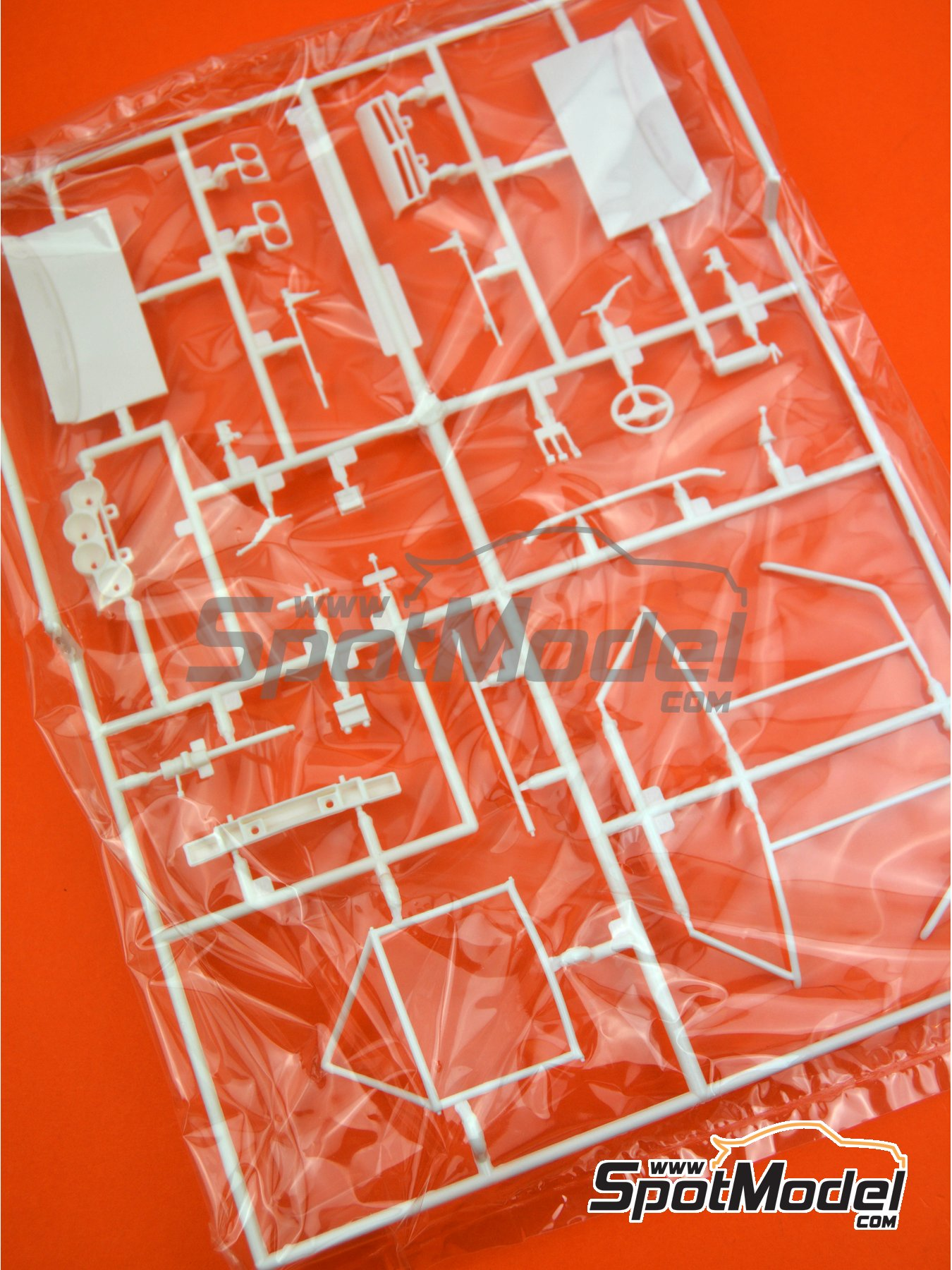 Opel Manta 400 Group B: Sprue D | Spare part in 1/24 scale manufactured by Belkits (ref. BEL008-SPRUE-D) image