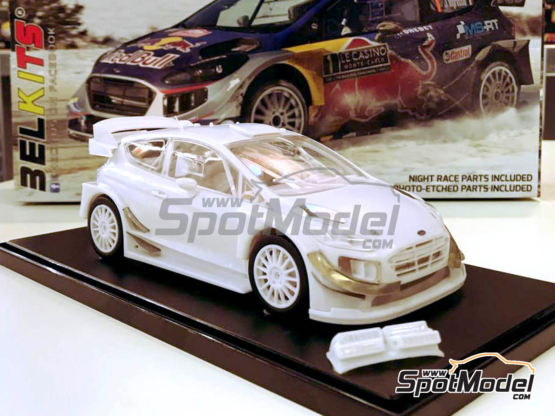 Image 4: Ford Fiesta RS WRC Castrol - Montecarlo Rally 2017 | Model car kit in 1/24 scale manufactured by Belkits (ref. BEL012, also BEL-012)