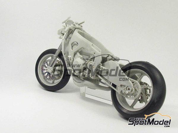 Image 18: Suter MMX 600cc Moto2 -  2010 | Model bike kit in 1/12 scale manufactured by BolidItalia Bikes Models (ref.BLDTL-FK01)