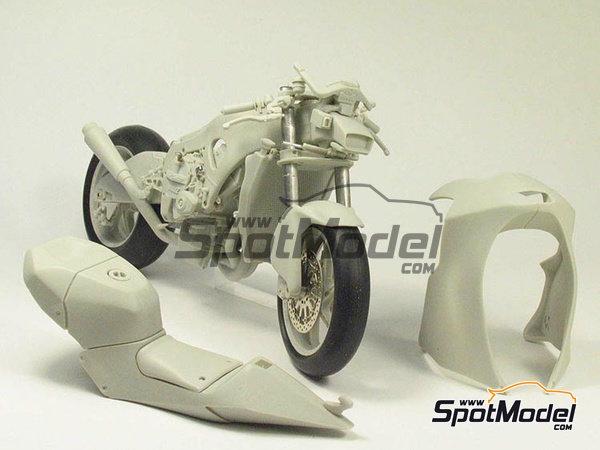 Image 22: Suter MMX 600cc Moto2 -  2010 | Model bike kit in 1/12 scale manufactured by BolidItalia Bikes Models (ref.BLDTL-FK01)