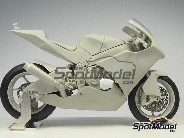 Image 25: Suter MMX 600cc Moto2 -  2010 | Model bike kit in 1/12 scale manufactured by BolidItalia Bikes Models (ref.BLDTL-FK01)
