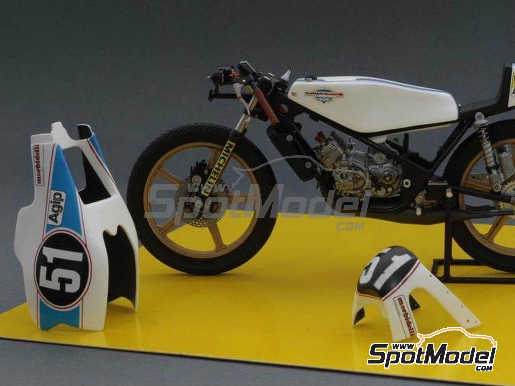 Image 2: Morbidelli 125cc - Motorcycle World Championship 1976 | Model bike kit in 1/12 scale manufactured by Brach Model (ref. BM-VR01)