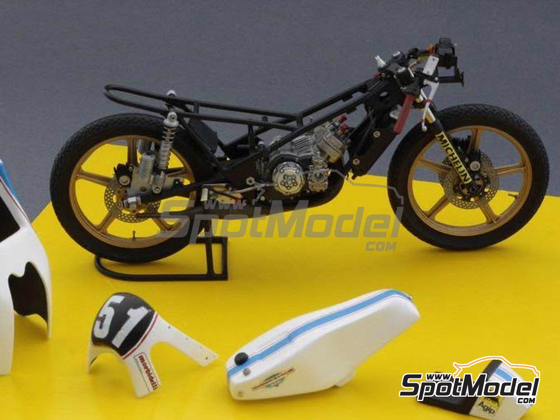 Image 3: Morbidelli 125cc - Motorcycle World Championship 1976 | Model bike kit in 1/12 scale manufactured by Brach Model (ref. BM-VR01)
