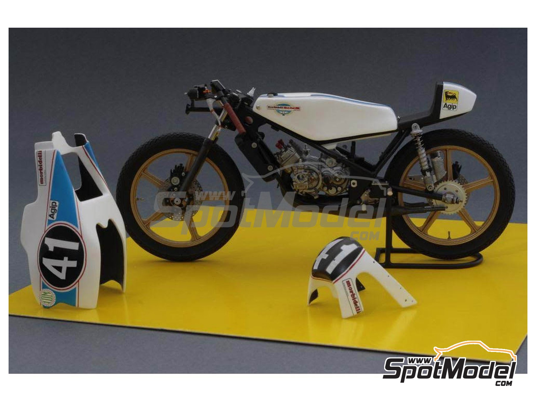 Image 2: Morbidelli 125cc - Motorcycle World Championship 1976 | Model bike kit in 1/12 scale manufactured by Brach Model (ref. BM-VR02)