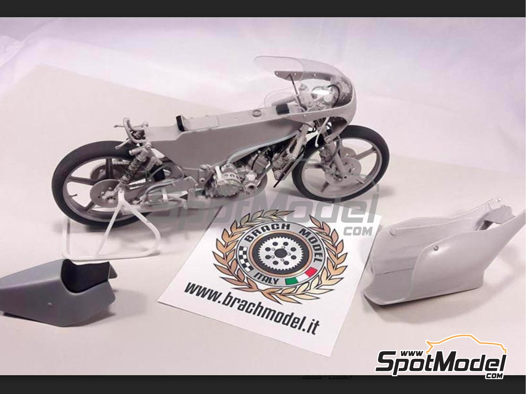 Image 7: Minarelli 125cc - Motorcycle World Championship 1981 | Model bike kit in 1/12 scale manufactured by Brach Model (ref. BM-VR06)