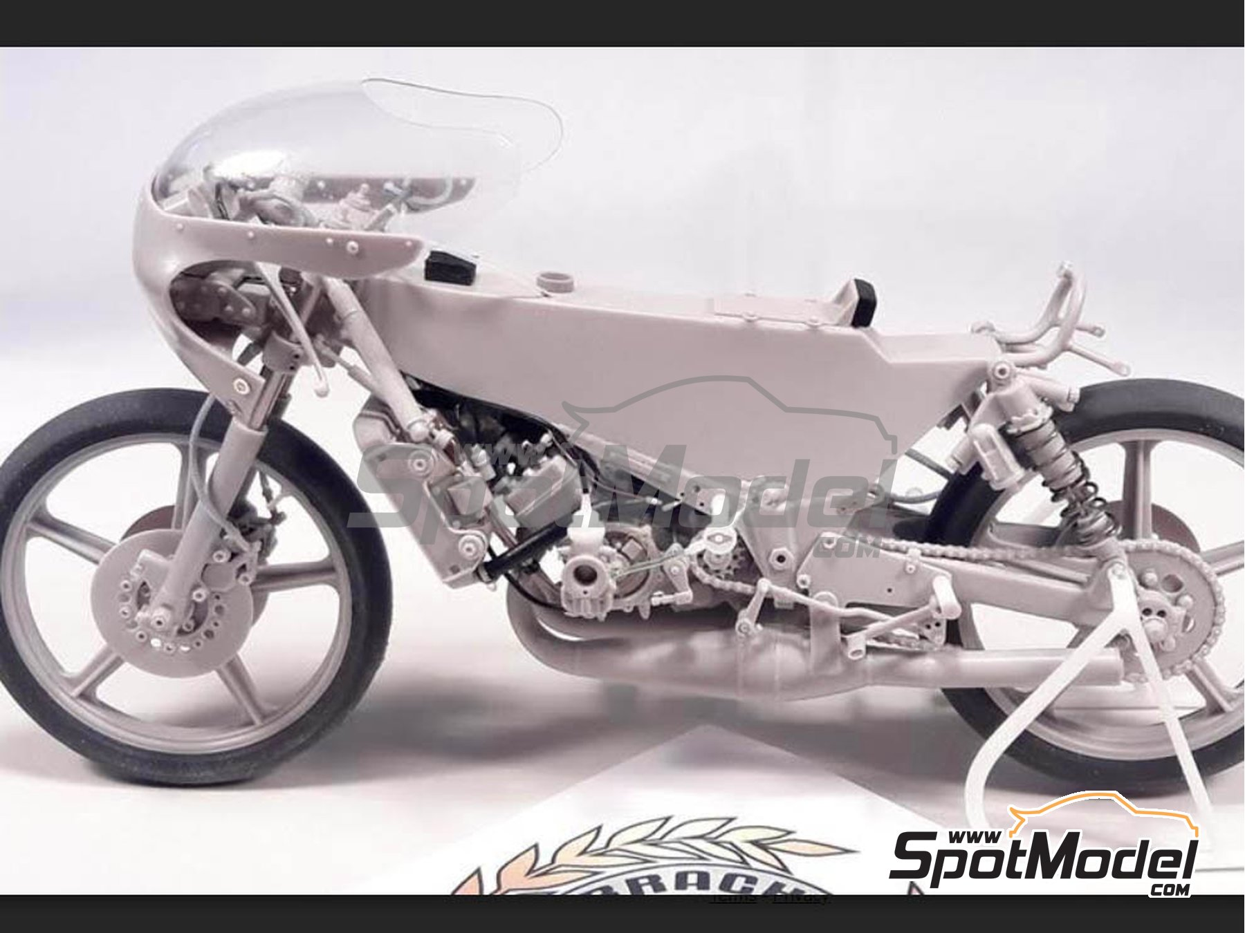 Image 12: Minarelli 125cc - Motorcycle World Championship 1981 | Model bike kit in 1/12 scale manufactured by Brach Model (ref. BM-VR06)