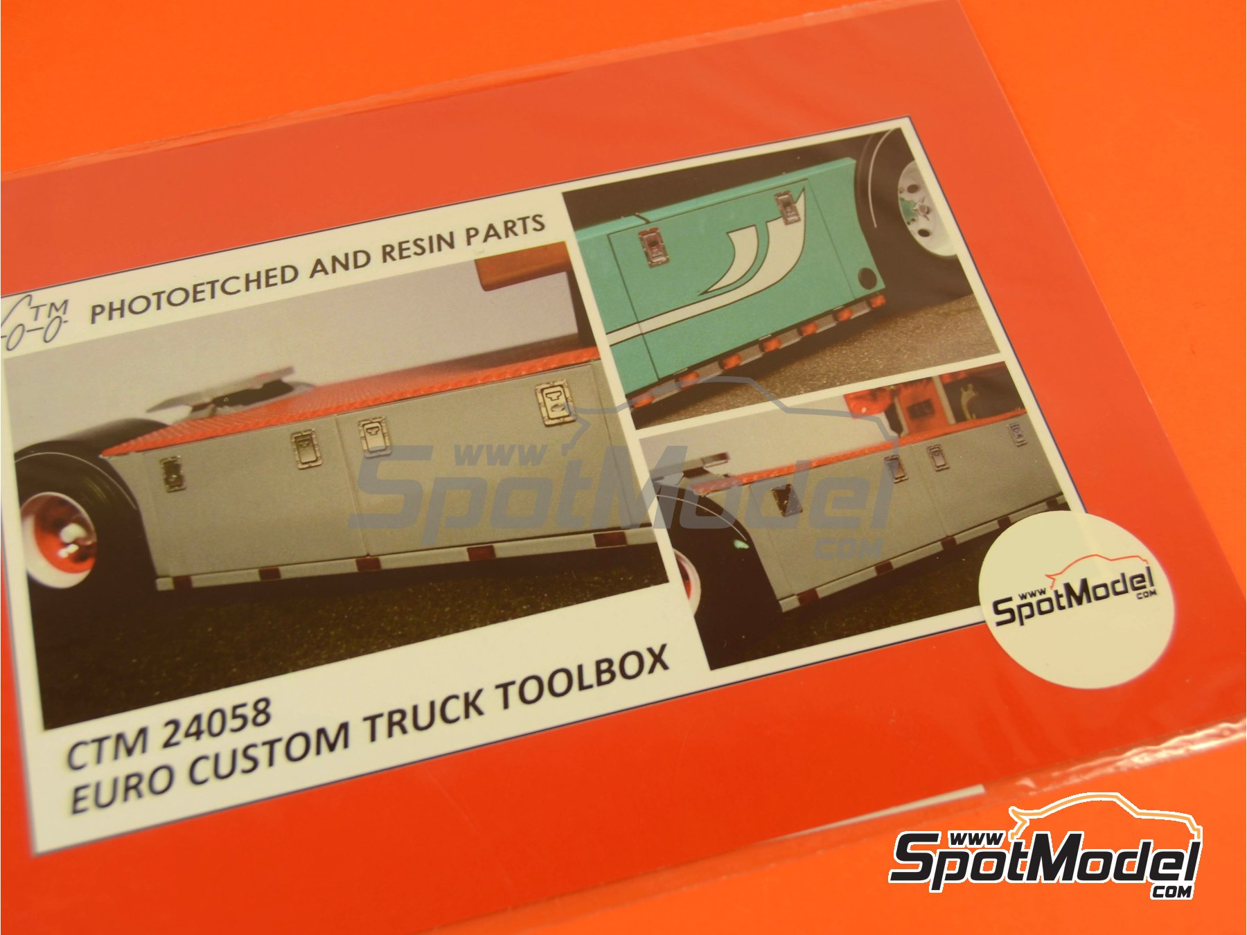 Image 5: Euro custom truck toolbox | Detail in 1/24 scale manufactured by Czech Truck Model (ref. CTM24058)