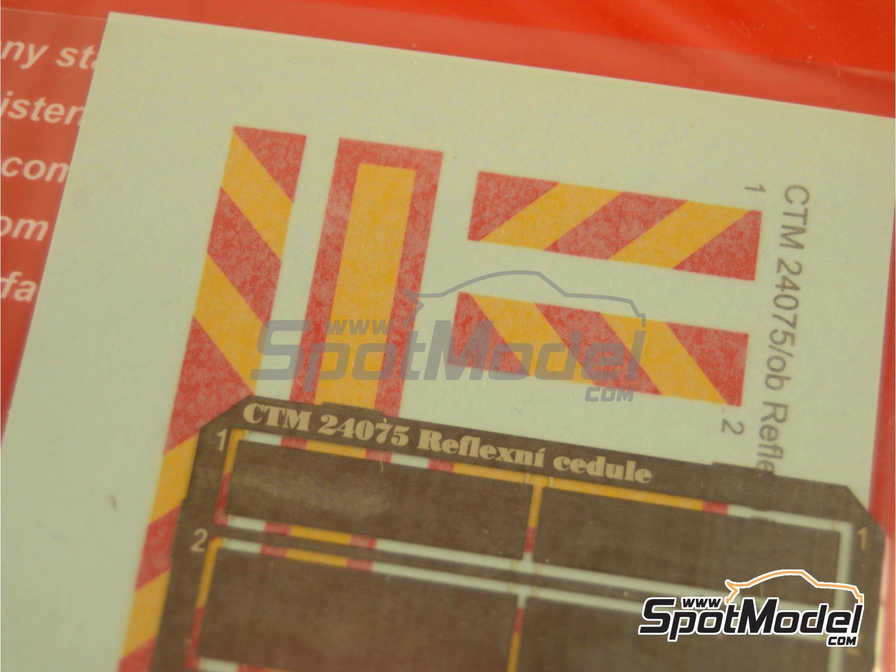 Image 1: Placas reflectantes traseras tipo ECE R 70 | Mejora en escala1/24 fabricado por Czech Truck Model (ref.CTM24075)