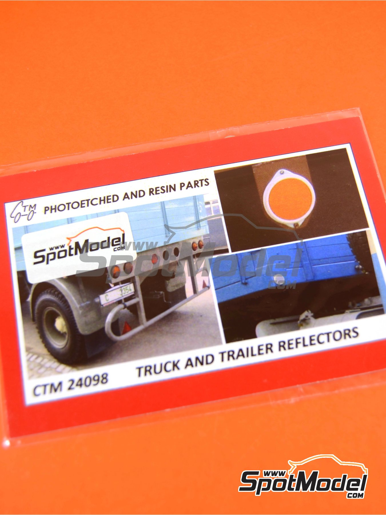 Reflectors | Lights in 1/24 scale manufactured by Czech Truck Model (ref. CTM24098) image