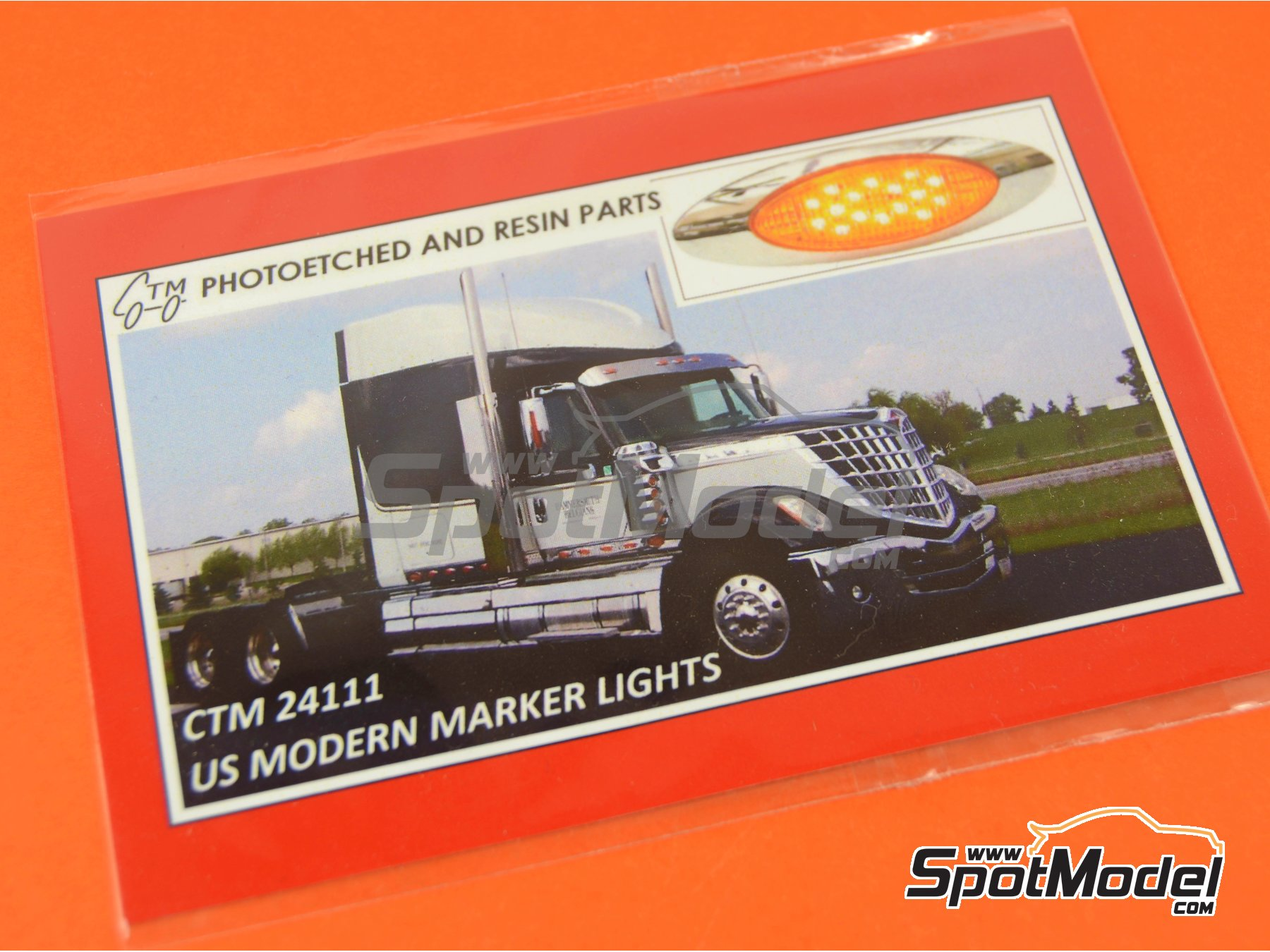 Image 4: US modern marker lights | Lights in 1/24 scale manufactured by Czech Truck Model (ref. CTM24111)
