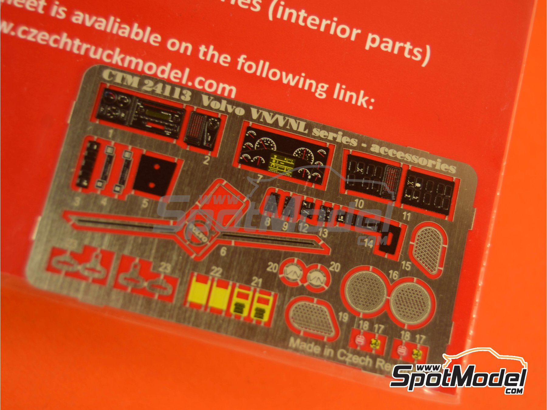 Image 1: Volvo VN and VNL interior parts | Detail up set in 1/24 scale manufactured by Czech Truck Model (ref.CTM24113)